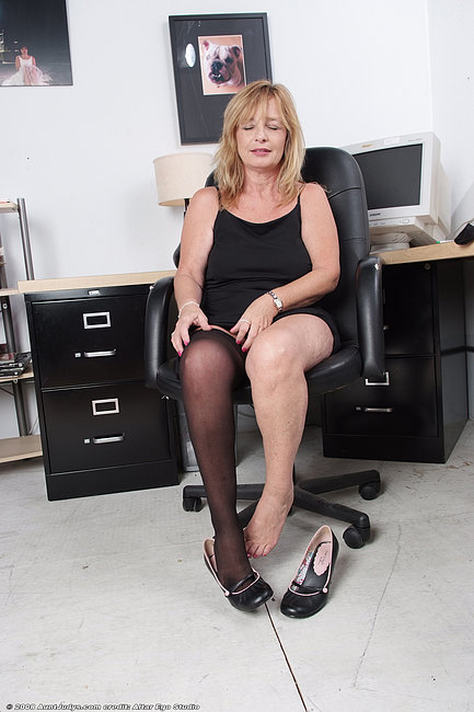 Huge boobs blowjob amateur